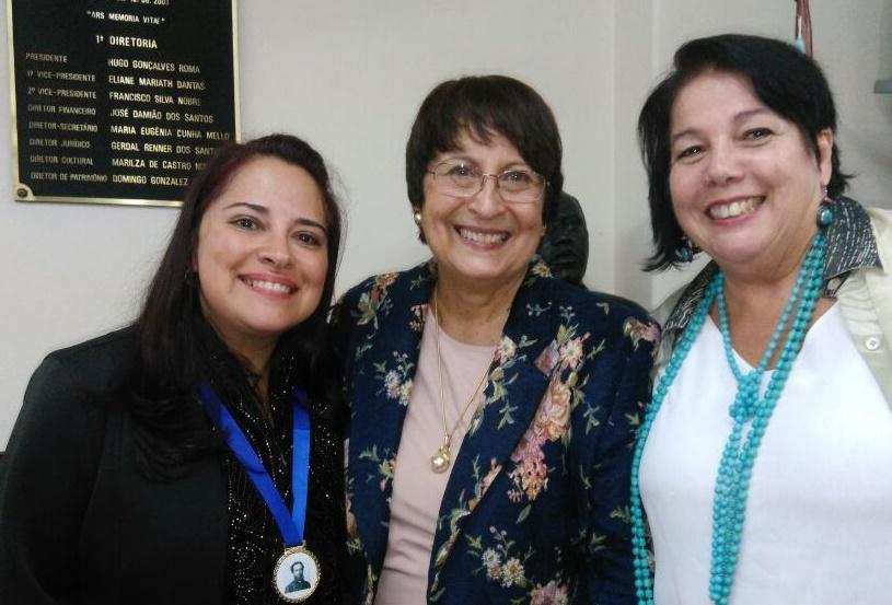Andreia Donadon Leal recebe a Medalha Machado de Assis
